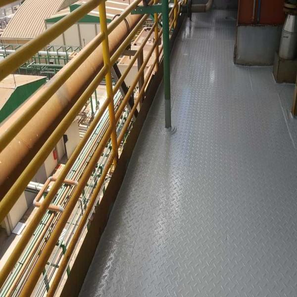 Aplicação de revestimento de poliuretano