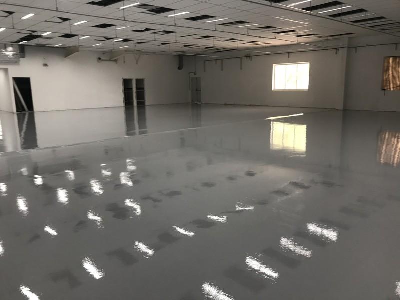 Pintura epoxi piso concreto