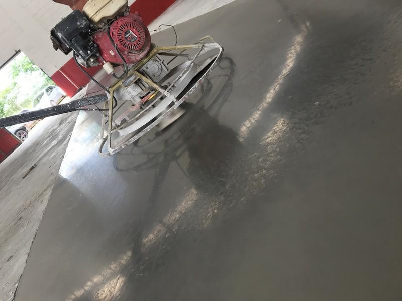Piso cimento queimado industrial