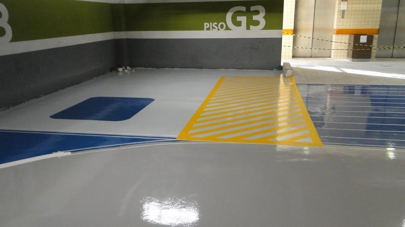 Tinta epoxi sobre concreto
